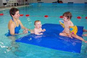 szkoła pływania dla dzieci i niemowląt
